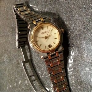 "Gucci vintage 2tone 3ATM Swiss watch 8"" running"